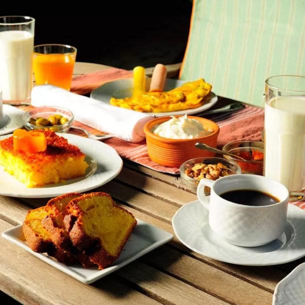 traditional-greek-breakfast-taleton